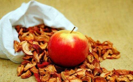 Полезные свойства сушеных яблок: состав, заготовка, хранение