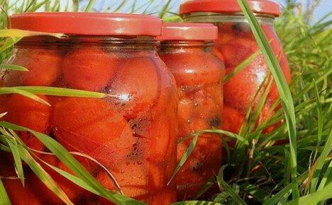 Аппетитные помидоры в яблочном соке – необычное блюдо