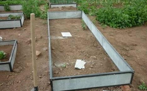 Как сделать грядки на огороде без досок?