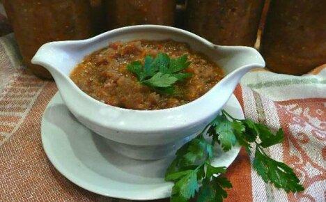 Готовим полезное овощное блюдо — икру из кабачков и баклажанов