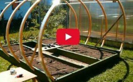 Как сделать теплицу из поликарбоната своими руками — видео