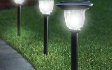 Освещение двора на солнечных батареях: виды устройств, преимущества, принцип их работы