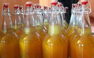 Простой рецепт яблочного уксуса в домашних условиях и все возможные способы его приготовления