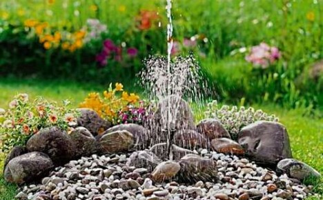 Садовый фонтан – неотъемлемая часть ландшафтного дизайна дачного участка