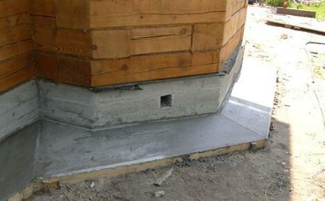 Как сделать отмостку дома из бетона своими руками