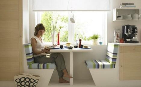 Функциональный и оригинальный столик для маленькой кухни