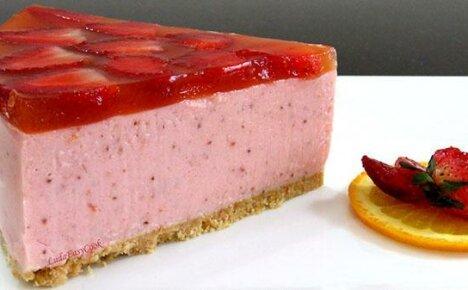Приготовить клубничный торт легко и просто