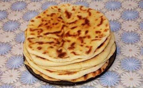 Национальное блюдо народов Кавказа — хычины с картофелем и сыром