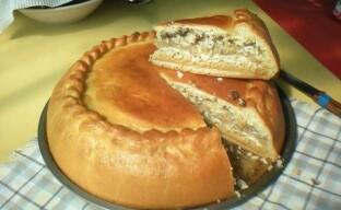 Готовим татарское национальное блюдо: пирог-губадья с кортом из дрожжевого теста