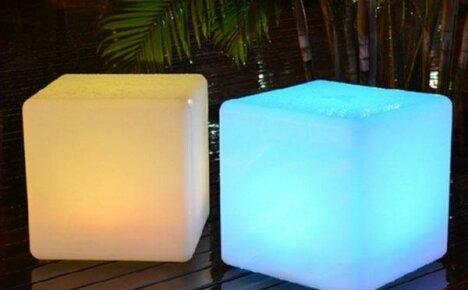 Украсьте свой сад необычным стулом — светящимся кубом с Алиэкспресс