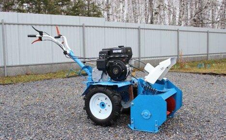Мотоблок Нева с навесными орудиями в помощь огороднику