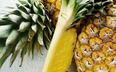 Едим ананас дома не только по праздникам
