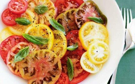 Украшение жаркого лета — салатные сорта помидор