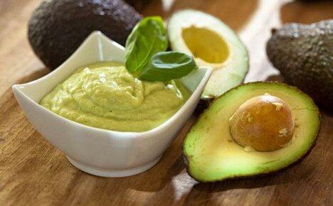 Пикантное дополнение к блюду — соус из авокадо
