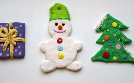 Очаровательные елочные игрушки своими руками из соленого теста