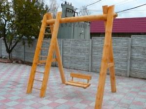 Самодельные деревянные качели