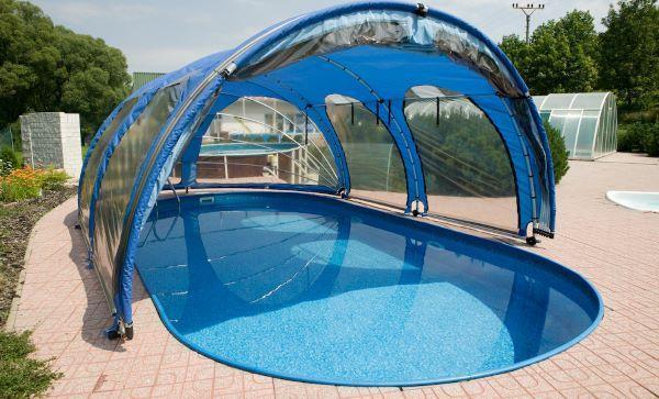 Фото каркасного бассейна с раздвижным тентом