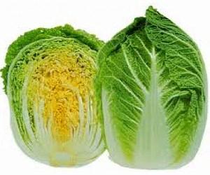 на фото кочан пекинской капусты