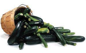 на фото урожай кабачков