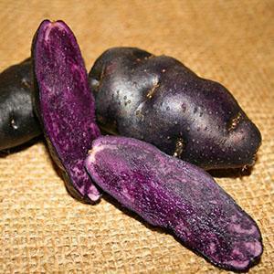 Клубни цветного картофеля
