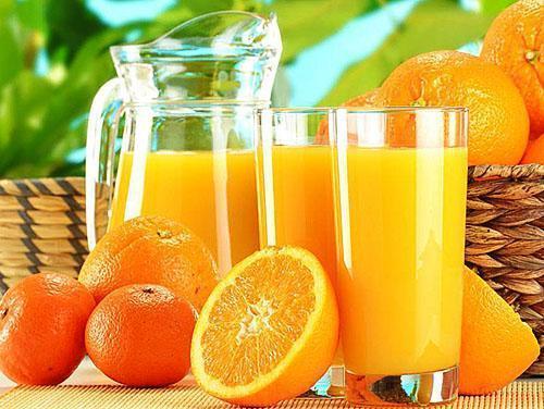 Свежеотжатый апельсиновый сок надежная защита от простуды