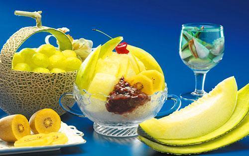 Десерт с использованием мякоти дыни