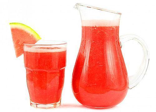 Для получения сока из арбузов используют метод холодного отжима