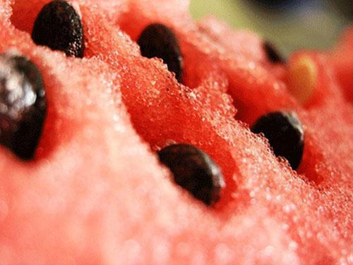 Минимальное количество нитратов содержится в сердцевине арбуза