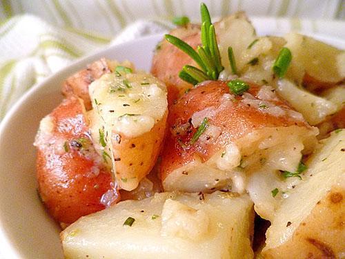 Отварной картофель широко используется в народной медицине