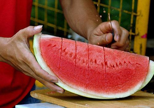 Сладкая ягода принесет пользу беременной женщине