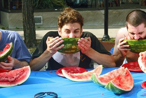 Чрезмерное употребление арбуза может доставить неприятности