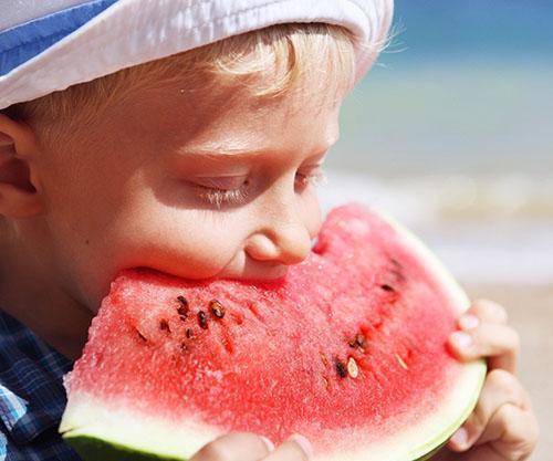 Детям необходимо ограничивать потребление арбуза