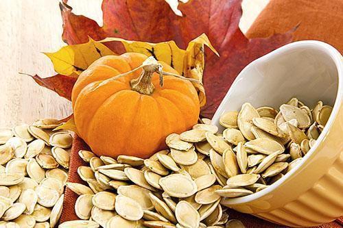 Употреблять тыквенные семена нужно в ограниченном количестве