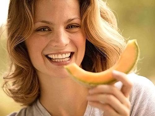 В дыне много витамин, необходимых для восстановления здоровья после родов