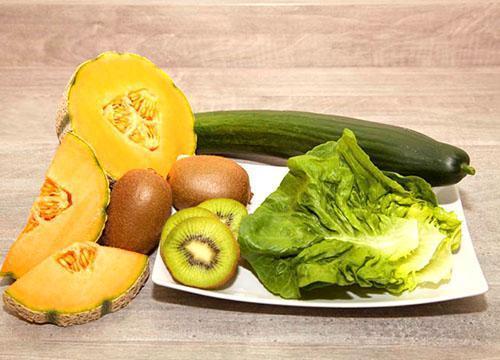 В небольших количествах молодая мама может потреблять все овощи и фрукты