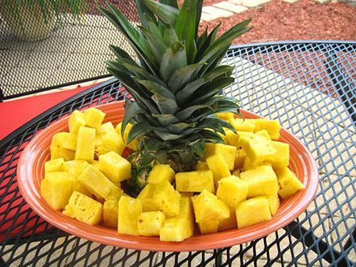 Употребление ананаса полезно в сезон обострения респираторных заболеваний
