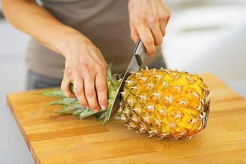Употребление ананаса во время похудения поможет наполнить организм витаминами