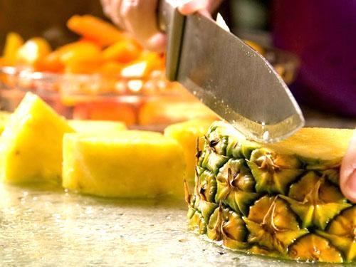 В мякоти ананаса отличный набор витаминов