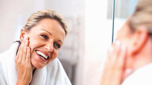 Масло герани используют в косметических целях
