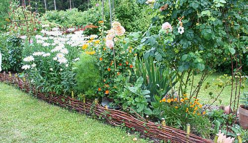 плетеная оградка