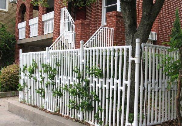 Ограда из труб