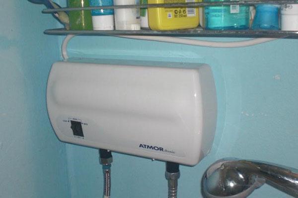 Проточный газовый водонагреватель позволит всегда иметь в кране тёплую воду