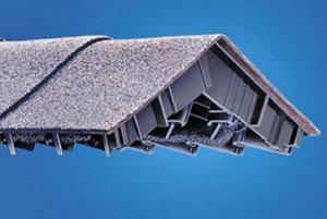 Система воздухообмена из конькового аэратора и вентиляционной ленты