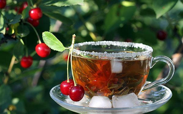 чай из вишневых листьев