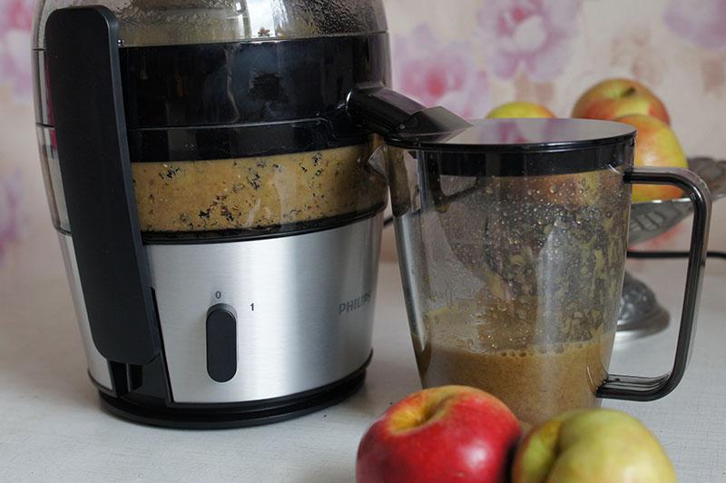 пропустить яблоки через соковыжималку