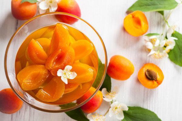 компот из абрикосов с медом