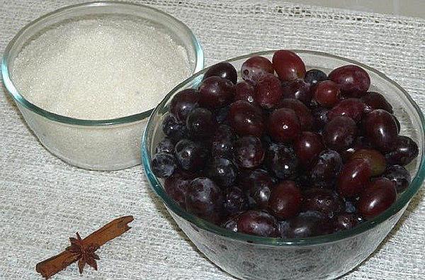 отделить ягоды от веточек