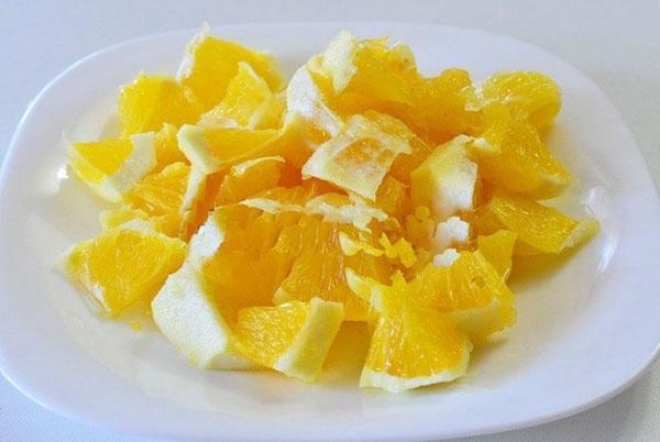 мелко нарезать апельсин