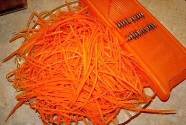морковь на тертке