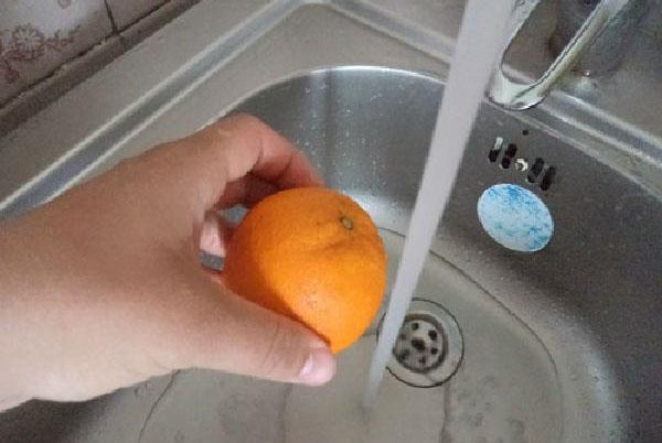 помыть апельсин